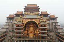 广西这个小布达拉宫不简单,藏着500吨重世界最大室内弥勒佛座像