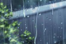 最美的不是下雨天,是曾与你睡过的酒店。当端午节碰上下雨天,情侣们该怎么办?