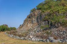 由根根石柱构成的扬州捺山,曾经的古长江底,如今的苏中第二高峰
