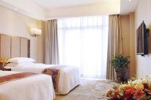 温泉酒店好去处——开封财富大酒店  房间很宽敞,而且是温泉入户,可以泡温泉,是度假旅行的不错选择