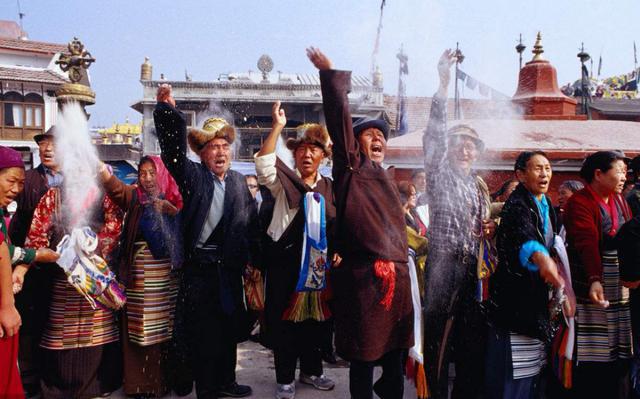 """拉萨:过完史上""""最冷清""""藏式新年,我有点怀念昔日的热闹"""