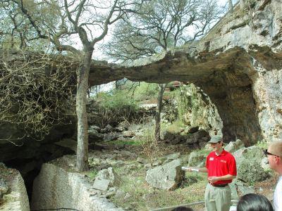 自然橋岩洞