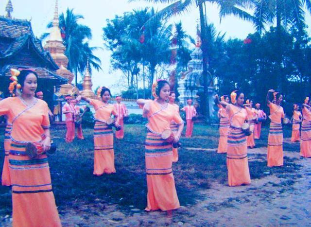 云南旅游:傣族歌舞与武术一瞥(图) – 云南游记攻略插图4
