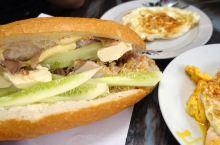 越南面包加扣肉!?超好吃!