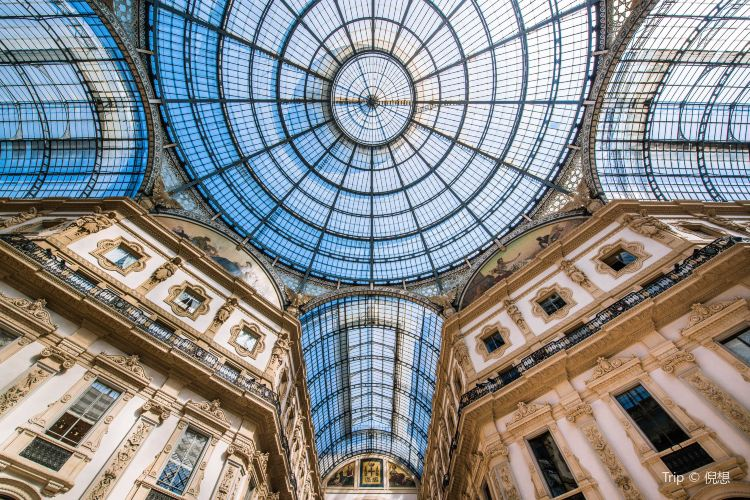 Galleria Vittorio Emanuele II4