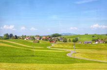 慕尼黑到福森的火车上,一路风景如画
