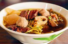 #元旦去哪玩#在马来西亚吃到爽口好吃的牛杂 家乡牛什是位于亚庇宾南邦小镇上的一家小店。由于餐厅位于华