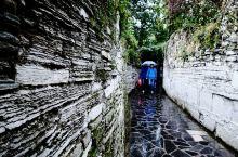 品味贵阳青岩古镇(一)          青岩古镇,贵州四大古镇之一,始建于明洪武十年公元1378年