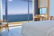 它是洱海边唯一一家五星级酒店,去年一开业就惊艳大理!每间房都几乎躺着看海