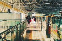 男子扒北京地铁门阻止发车:总有一些破坏规矩的人要别人承担后果!