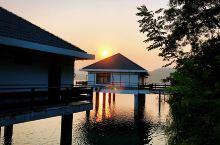 #睡遍全世界#可以坐在阳台上钓鱼的酒店  仙海水上排屋