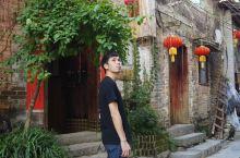 黄姚古镇里全都是旅行团,那老了之后我们会跟团吗?