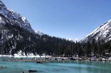 然乌湖和米堆冰川。