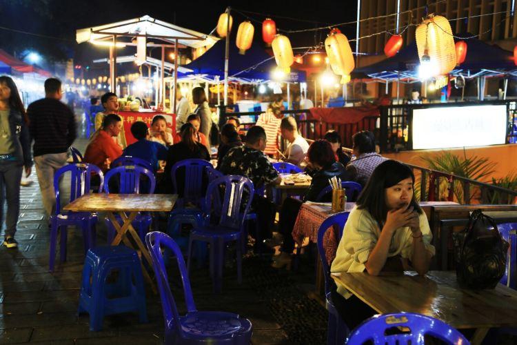 Riverside Night Market3