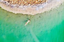 #元旦去哪玩#死海真的可以浮在海面上看报纸