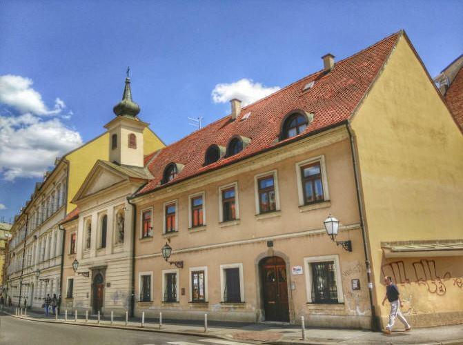 Upper Town2