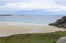 离开斯摩溶洞顺道到了Balnakeil beach(不到它的中译),由于过了夏季,游人稀少,只拍了个