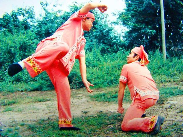云南旅游:傣族歌舞与武术一瞥(图) – 云南游记攻略插图7