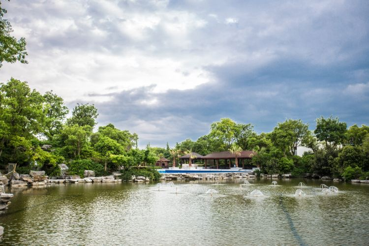 Slender West Lake Hot Spring Resort2