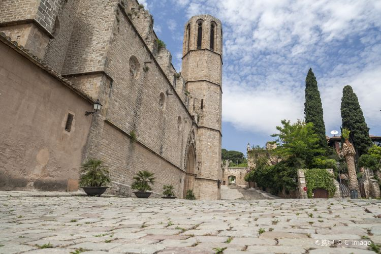聖母瑪利亞·巴德拉貝斯修道院 2