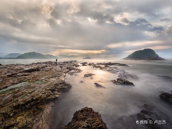 Yanzhou Island