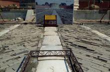 清西陵之昌西陵 游完雍正的泰陵,接下来应是游到嘉庆的昌陵,可导游说昌陵十年不开放了,正在维修,只能游