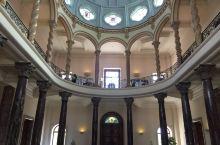 参观阿里亚纳博物馆Ariana Museum2万件艺术品