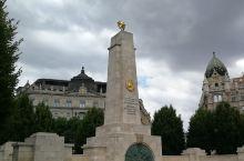 布达佩斯~自由广场