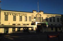 格雷茅斯 格雷茅斯,这是到新西兰后第一个下榻的小镇。果然人烟稀少,商店基本五六点就关门了,好在超市稍