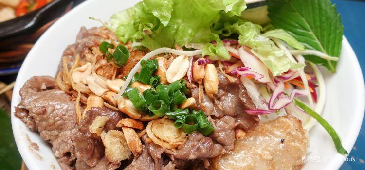 Royal Saigon Restaurant3