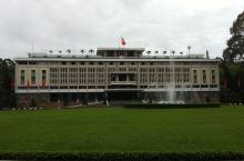 來到了胡志明市的地標 里面有很多的故事都有一一的标註