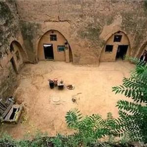 """河南游记图文-中国最""""神秘""""村庄,只闻其声不见其人,村民已住地下近4千年"""