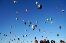 徒步在满月下的白沙,仰望那漫天的热气球 —— 新墨西哥州的周末