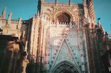 #嗨翻小长假#走进塞尔维亚大教堂