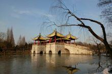 忆冬日扬州行 冬日瘦西湖,斜阳静影,满目欣然。游记记载了两日里的点滴印象——瘦西湖、古运河; 东关街