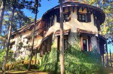 """在""""越南私藏的法国"""",住森林里的法国老别墅"""