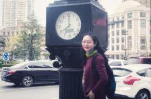 我环绕在大连中山广场的近代建筑群