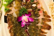 【吃在大连】涮海鲜是必不可缺的,活鱼切块,让你吃一次就上瘾!