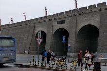 西安古城墙偶遇路拍