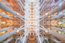 建筑奇迹圣家族大教堂