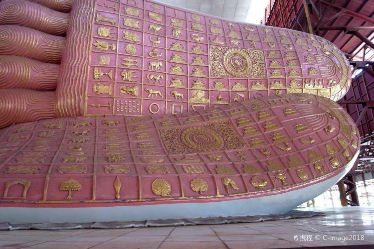 Chaukhtatgyi Buddha4