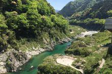 """""""大步危、小步危""""是进入日本三大秘境之一""""祖谷溪""""的门户,是位于德岛县西部。这里山势险峻。大小步危的"""