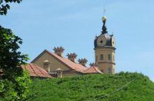 最美丽的花园式宫殿,美的不像话!  先前都是去看的单个的城堡,教堂之类的,就觉着很壮观了,这辈子看过