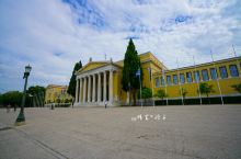 Zappeion宫位于国家公园中,这座外观宏伟的建筑物曾为雅典申奥做出过贡献,如今这里则作为展馆举办