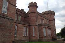 早晨的第一站是市中心的因弗内斯城堡,曾经沧海难为水,看过温莎无古堡。比起温莎和爱丁堡,这个建于19世