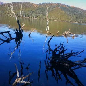 属都湖旅游景点攻略图