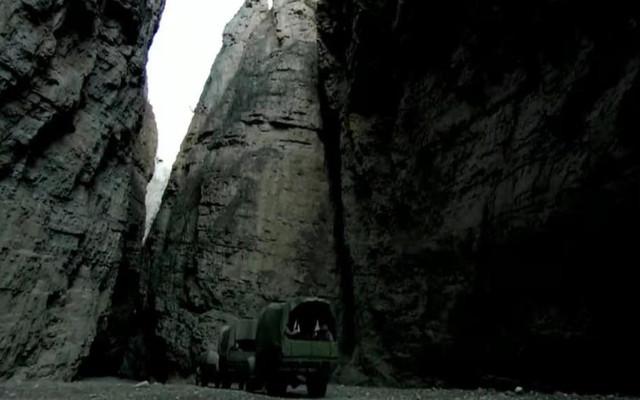 【深游甘孜.德格篇】德格奇景:万山丛中一线天