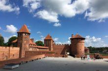 世界上最大的中世纪城堡,五百年才终于完成,值得一看!