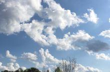 好清新的空气,久违的蓝天白云