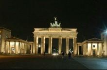 德国地铁勃兰登堡门和巴黎广场
